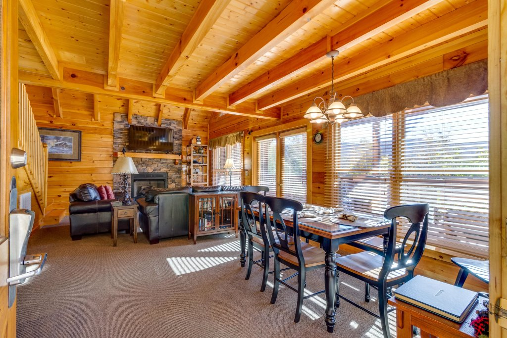 Photo of a Pigeon Forge Cabin named Tennessee Dreams - This is the twelfth photo in the set.