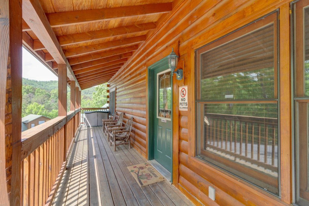 Photo of a Pigeon Forge Cabin named Moose Creek Lodge - This is the forty-fourth photo in the set.
