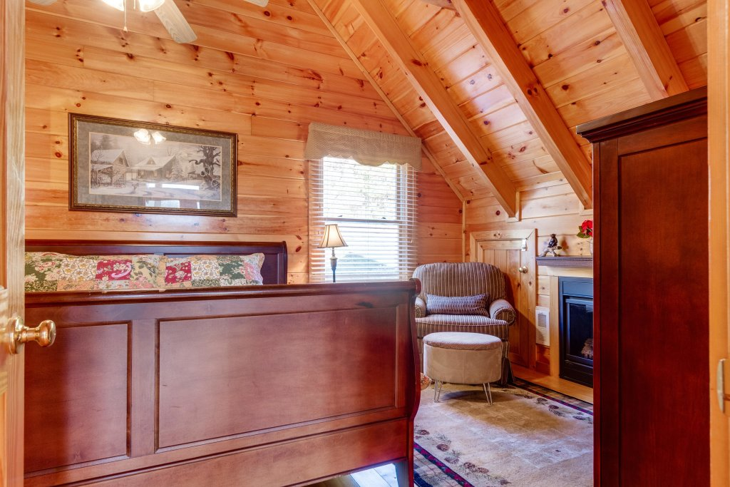 Photo of a Pigeon Forge Cabin named Tennessee Dreams - This is the thirtieth photo in the set.