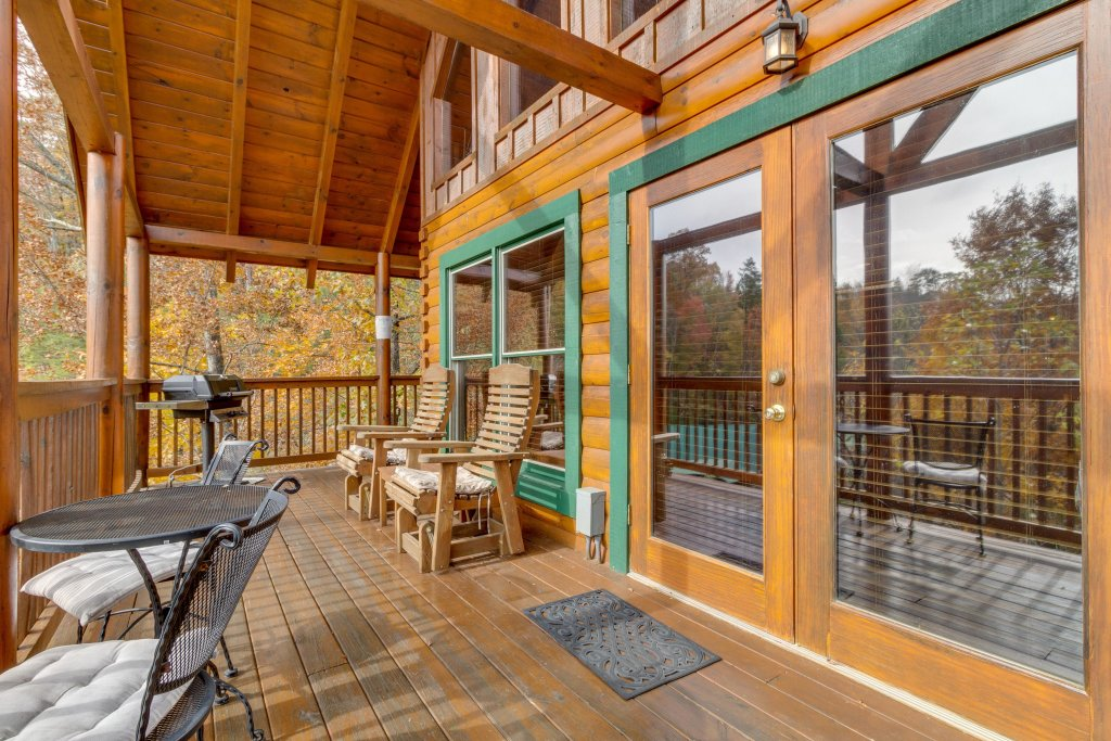 Photo of a Pigeon Forge Cabin named Tennessee Dreams - This is the forty-first photo in the set.