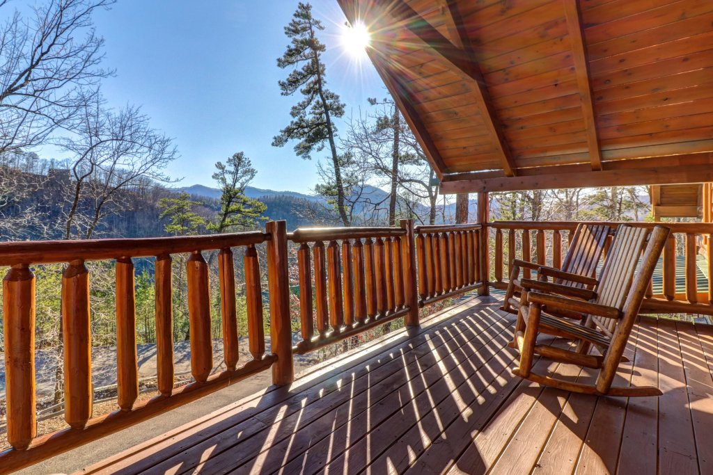 Photo of a Sevierville Cabin named Majestic View #42a - This is the first photo in the set.