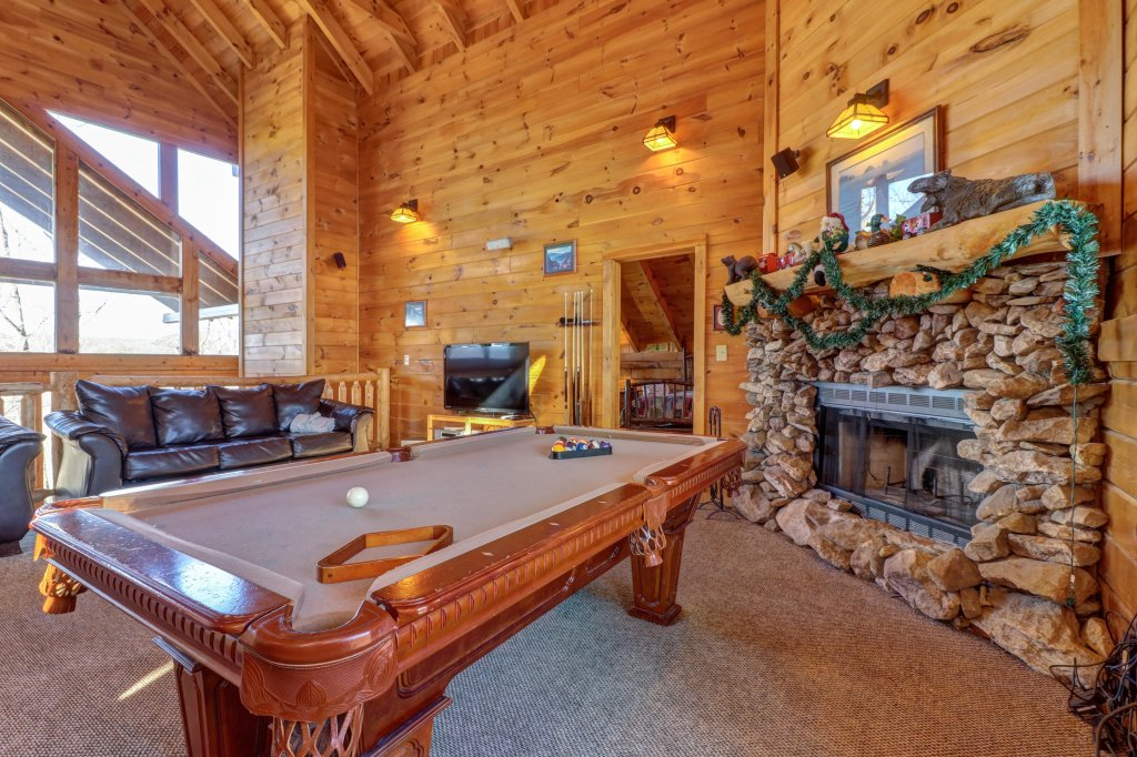 Photo of a Sevierville Cabin named Majestic View #42a - This is the fifth photo in the set.