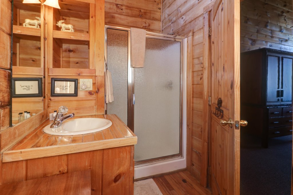 Photo of a Sevierville Cabin named Majestic View #42a - This is the twenty-third photo in the set.