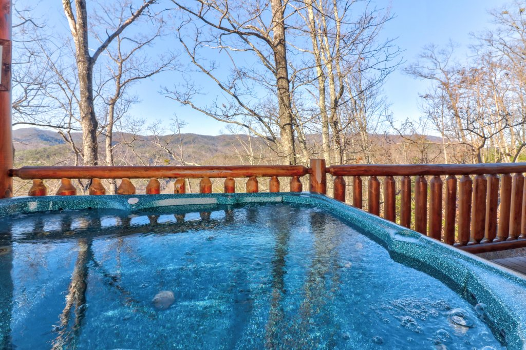 Photo of a Sevierville Cabin named Majestic View #42a - This is the fourth photo in the set.