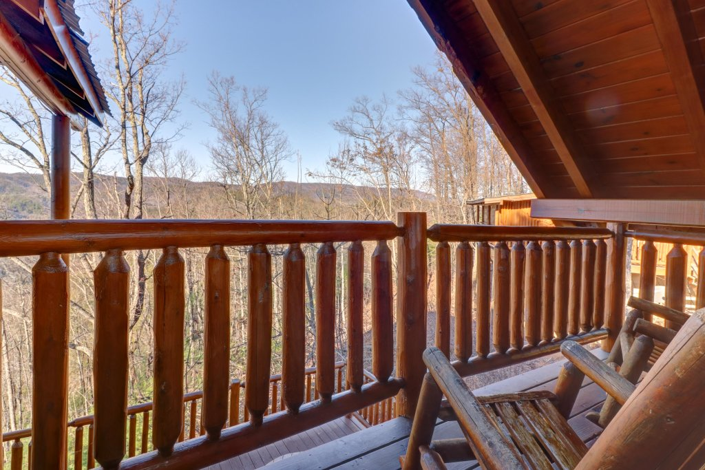 Photo of a Sevierville Cabin named Majestic View #42a - This is the twenty-second photo in the set.