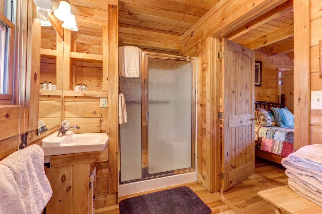 Photo of a Sevierville Cabin named Majestic View #42a - This is the seventeenth photo in the set.
