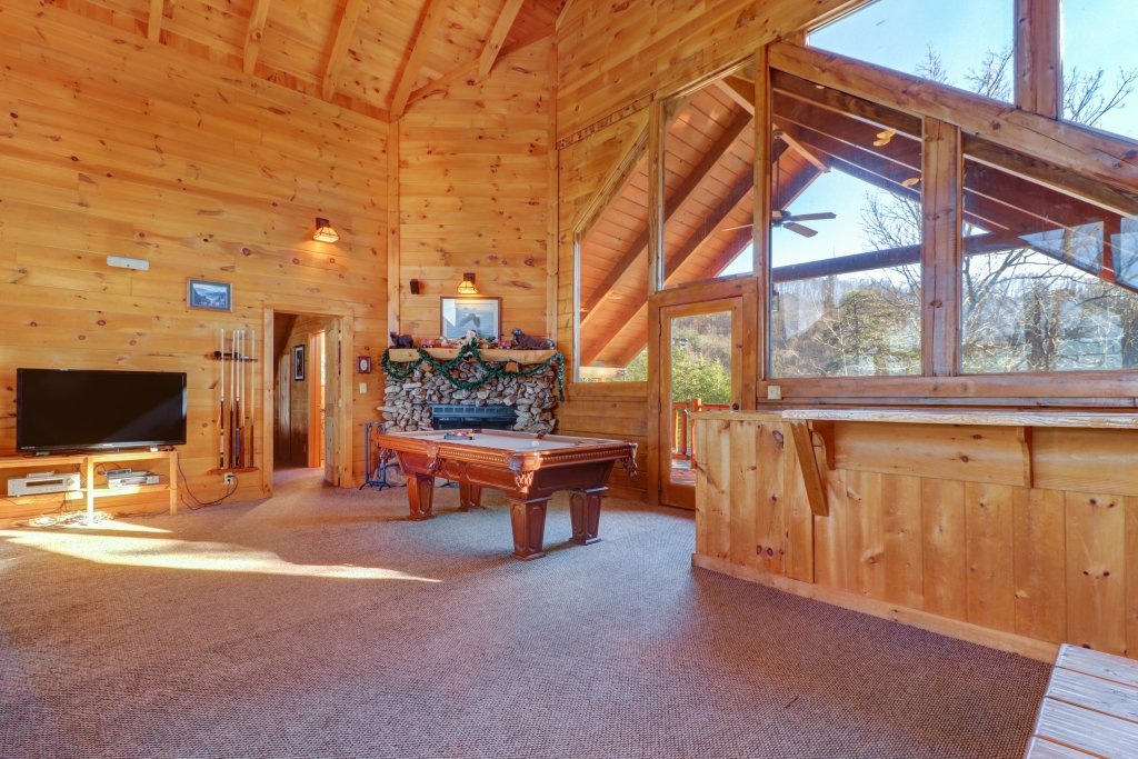 Photo of a Sevierville Cabin named Majestic View #42a - This is the thirty-second photo in the set.