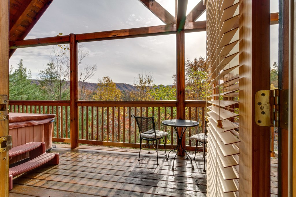 Photo of a Pigeon Forge Cabin named Tennessee Dreams - This is the forty-second photo in the set.