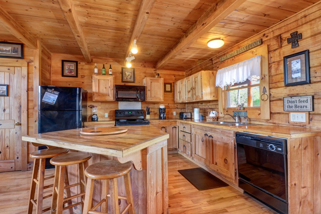 Photo of a Sevierville Cabin named Majestic View #42a - This is the eighth photo in the set.
