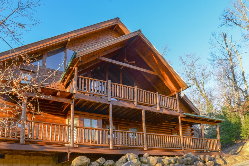 Photo of a Sevierville Cabin named Majestic View #42a - This is the third photo in the set.