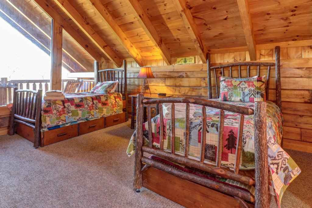 Photo of a Sevierville Cabin named Majestic View #42a - This is the twenty-first photo in the set.