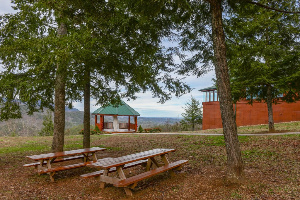 Photo of a Sevierville Cabin named Majestic View #42a - This is the forty-fifth photo in the set.