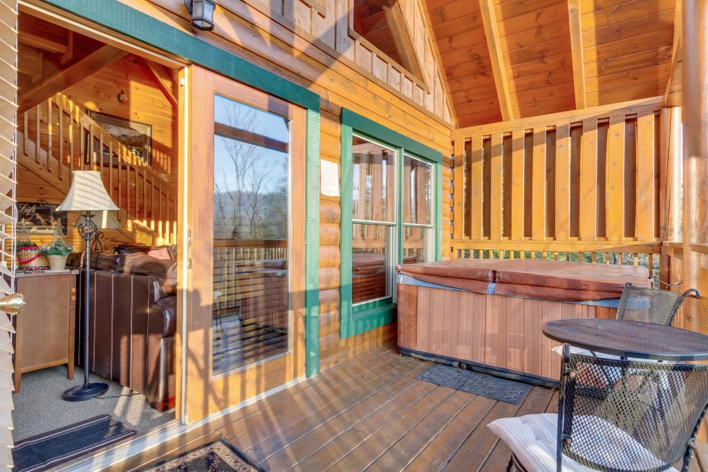 Photo of a Pigeon Forge Cabin named Tennessee Dreams - This is the forty-eighth photo in the set.