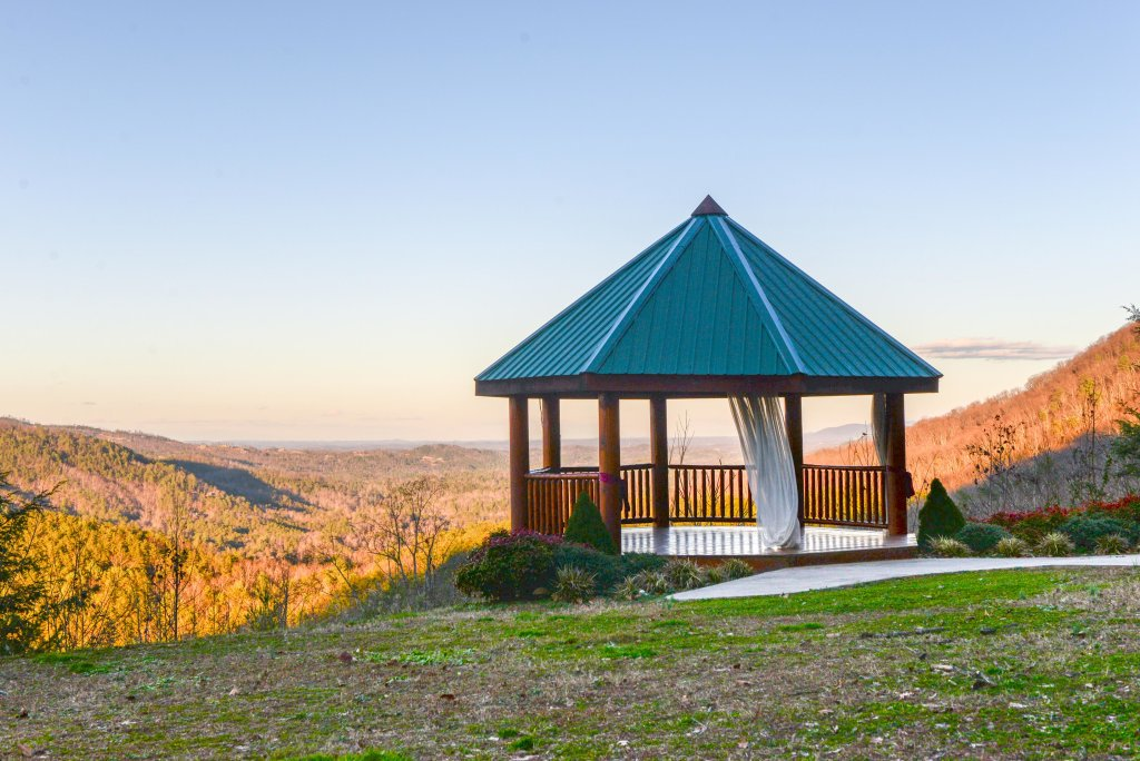 Photo of a Sevierville Cabin named Majestic View #42a - This is the forty-sixth photo in the set.