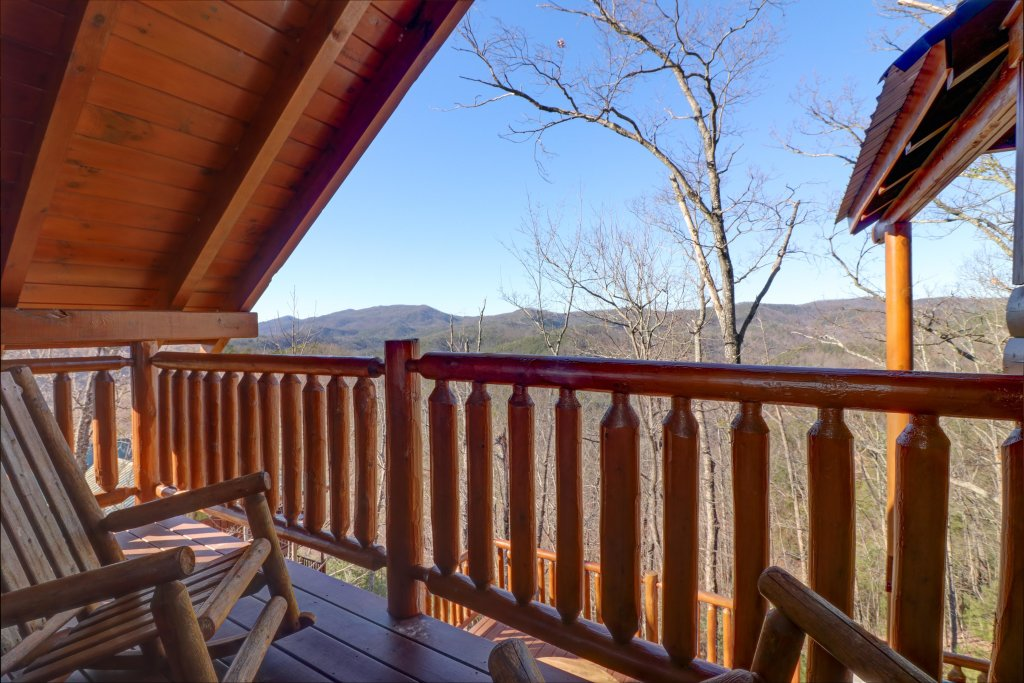 Photo of a Sevierville Cabin named Majestic View #42a - This is the nineteenth photo in the set.
