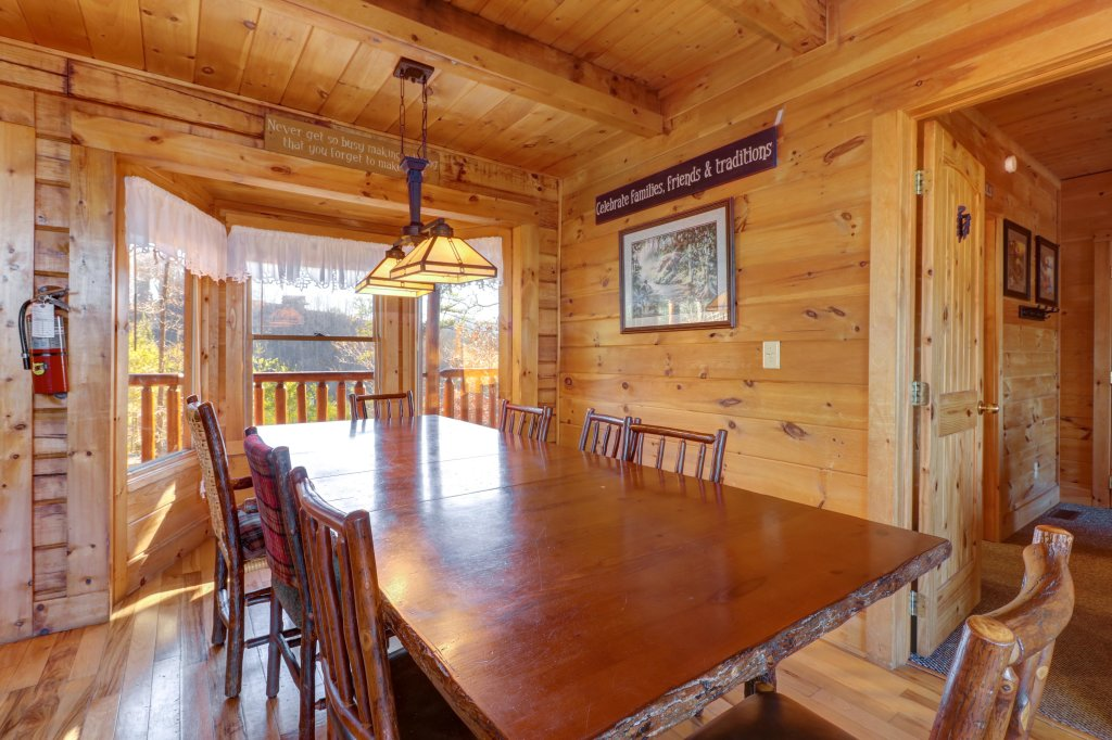 Photo of a Sevierville Cabin named Majestic View #42a - This is the thirtieth photo in the set.