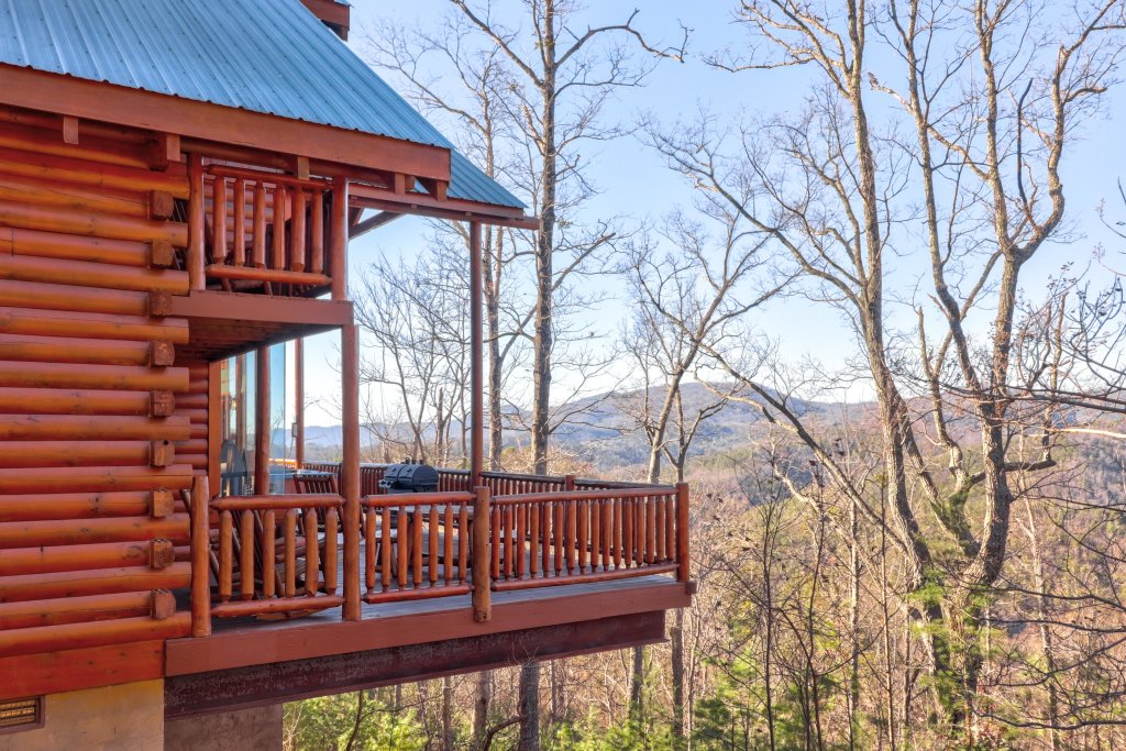 Photo of a Sevierville Cabin named Majestic View #42a - This is the twenty-seventh photo in the set.