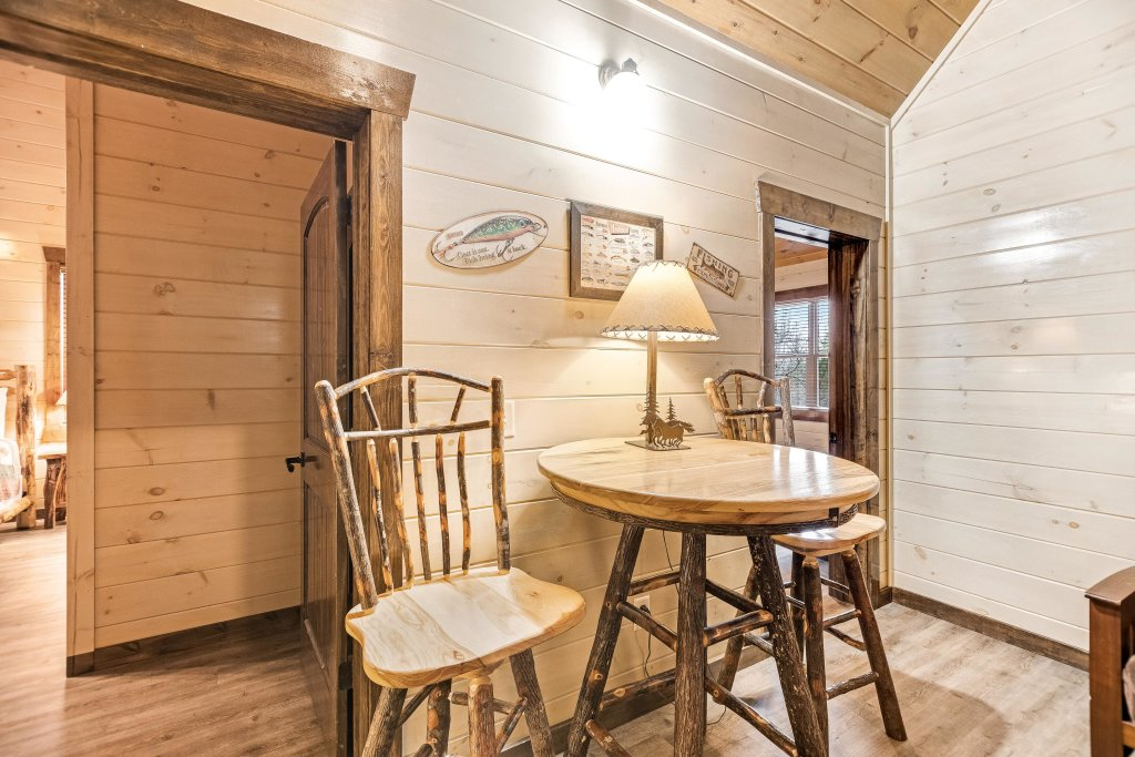 Photo of a Pigeon Forge Cabin named Aqua Dreamin' Retreat - This is the fifty-first photo in the set.