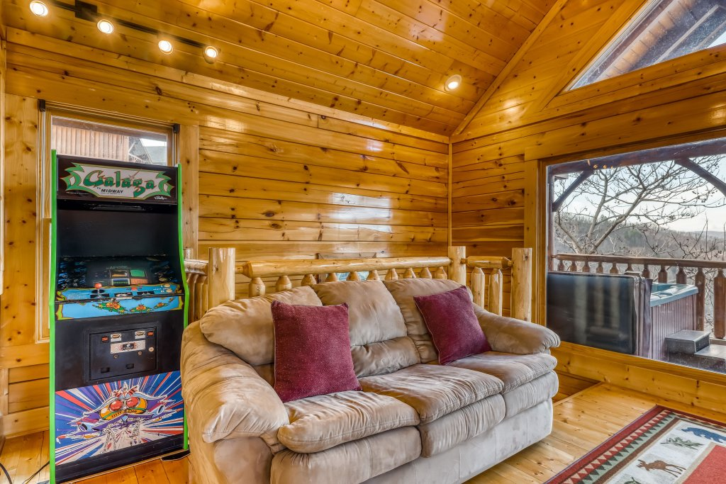 Photo of a Sevierville Cabin named Nature's Paradise - This is the twenty-seventh photo in the set.