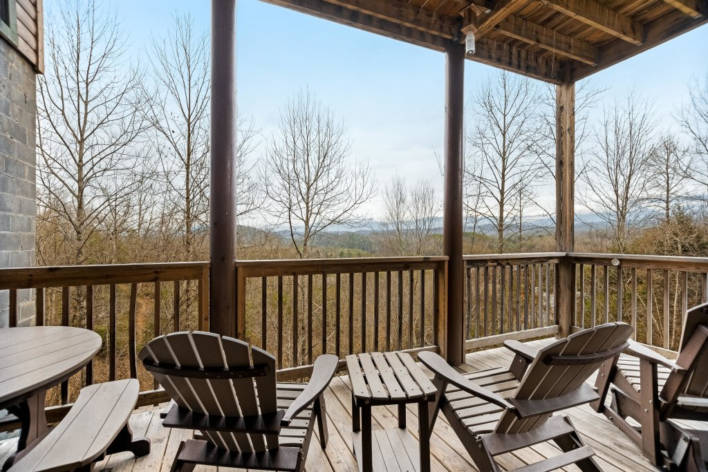 Photo of a Pigeon Forge Cabin named Aqua Dreamin' Retreat - This is the eighth photo in the set.