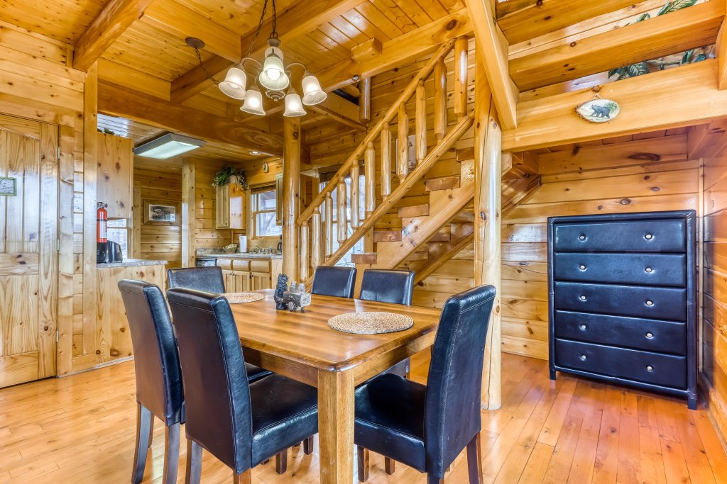 Photo of a Sevierville Cabin named Nature's Paradise - This is the thirteenth photo in the set.