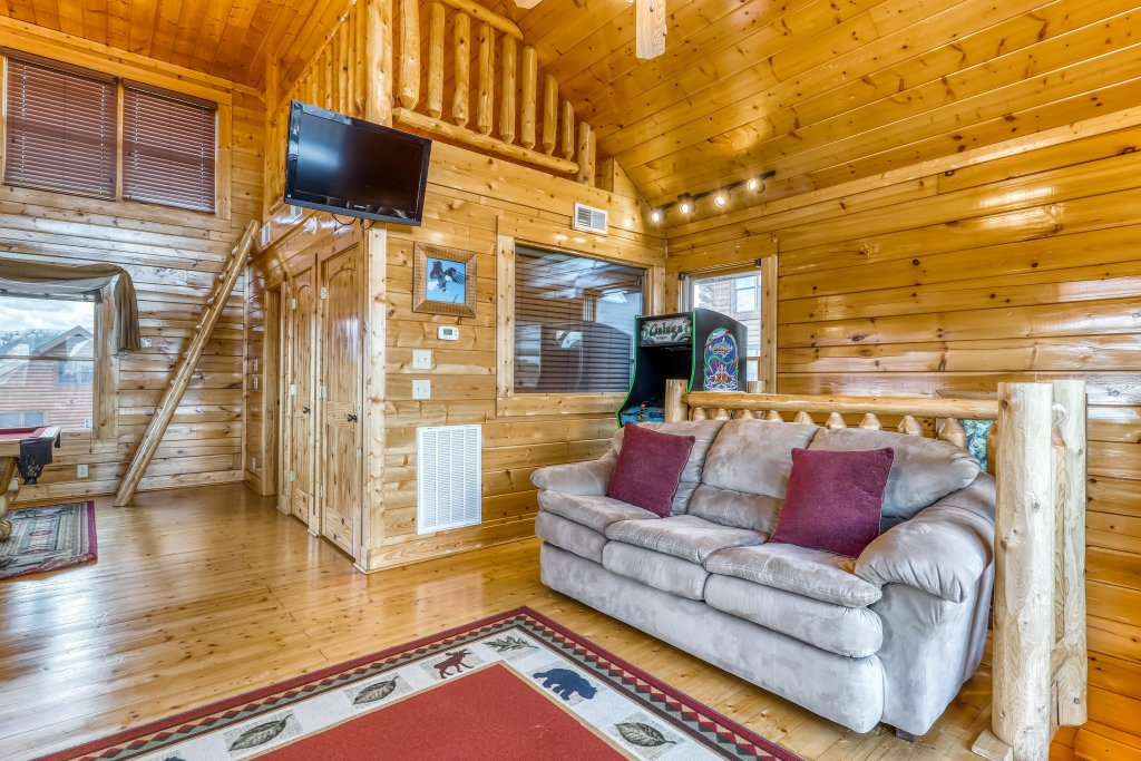Photo of a Sevierville Cabin named Nature's Paradise - This is the twenty-sixth photo in the set.