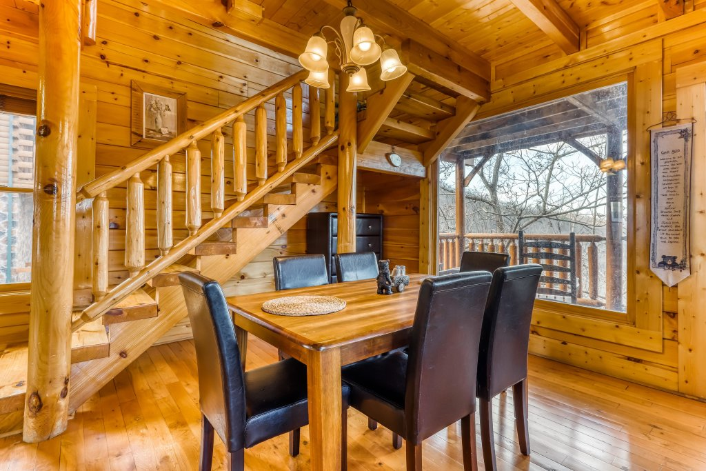 Photo of a Sevierville Cabin named Nature's Paradise - This is the twelfth photo in the set.