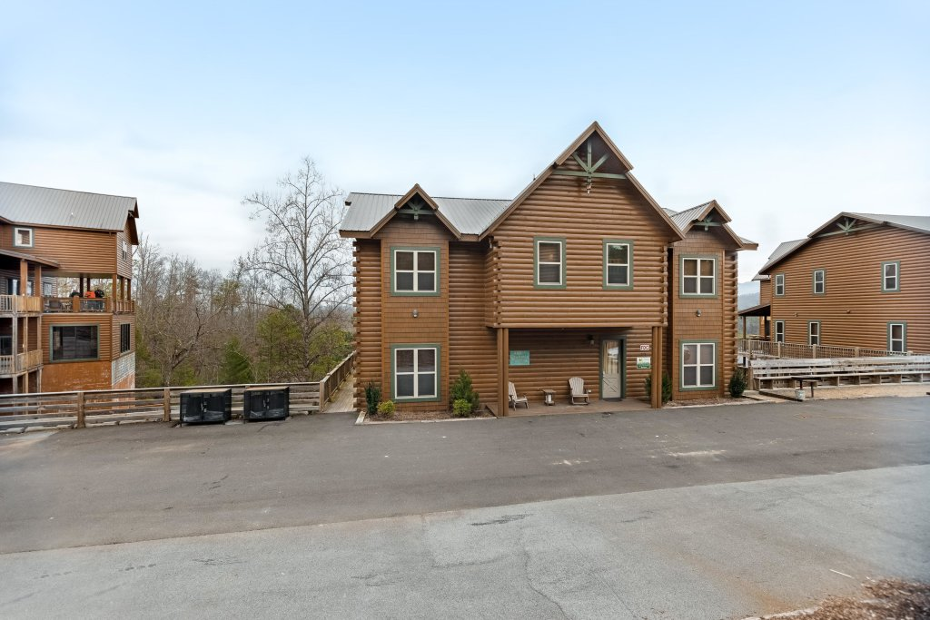 Photo of a Pigeon Forge Cabin named Aqua Dreamin' Retreat - This is the sixtieth photo in the set.