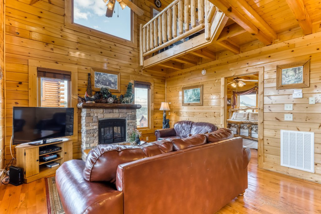 Photo of a Sevierville Cabin named Nature's Paradise - This is the ninth photo in the set.