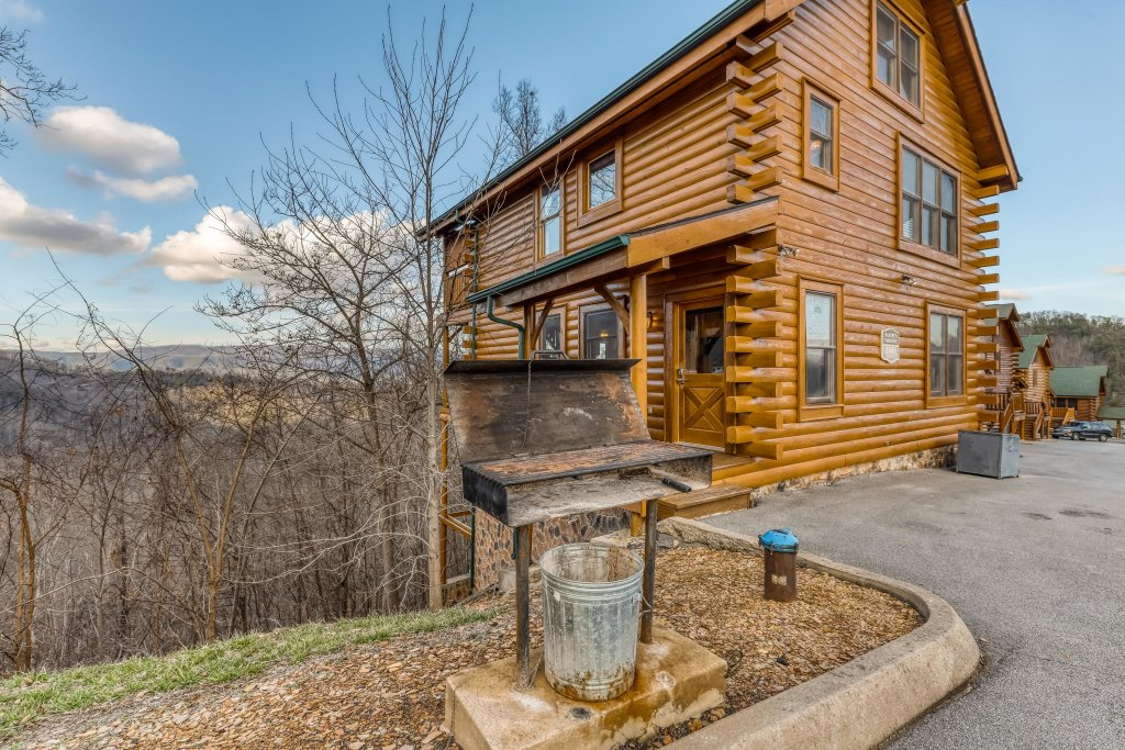 Photo of a Sevierville Cabin named Nature's Paradise - This is the forty-first photo in the set.