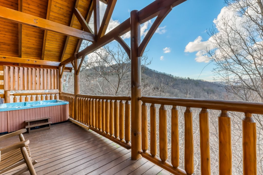 Photo of a Sevierville Cabin named Nature's Paradise - This is the thirty-fourth photo in the set.
