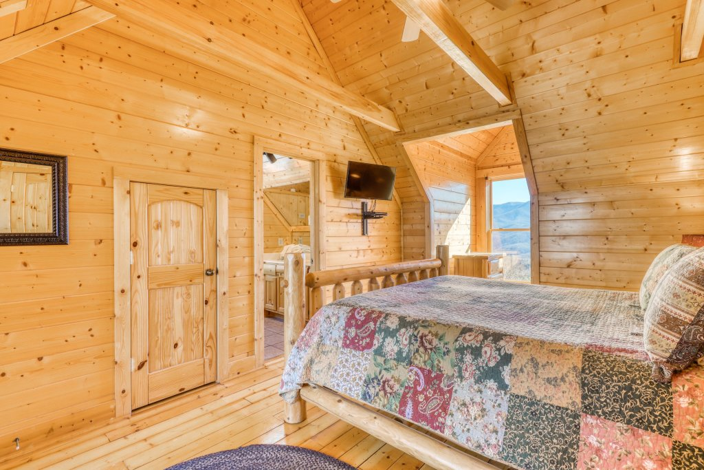 Photo of a Gatlinburg Cabin named Papa Bears Cabin - This is the thirty-first photo in the set.