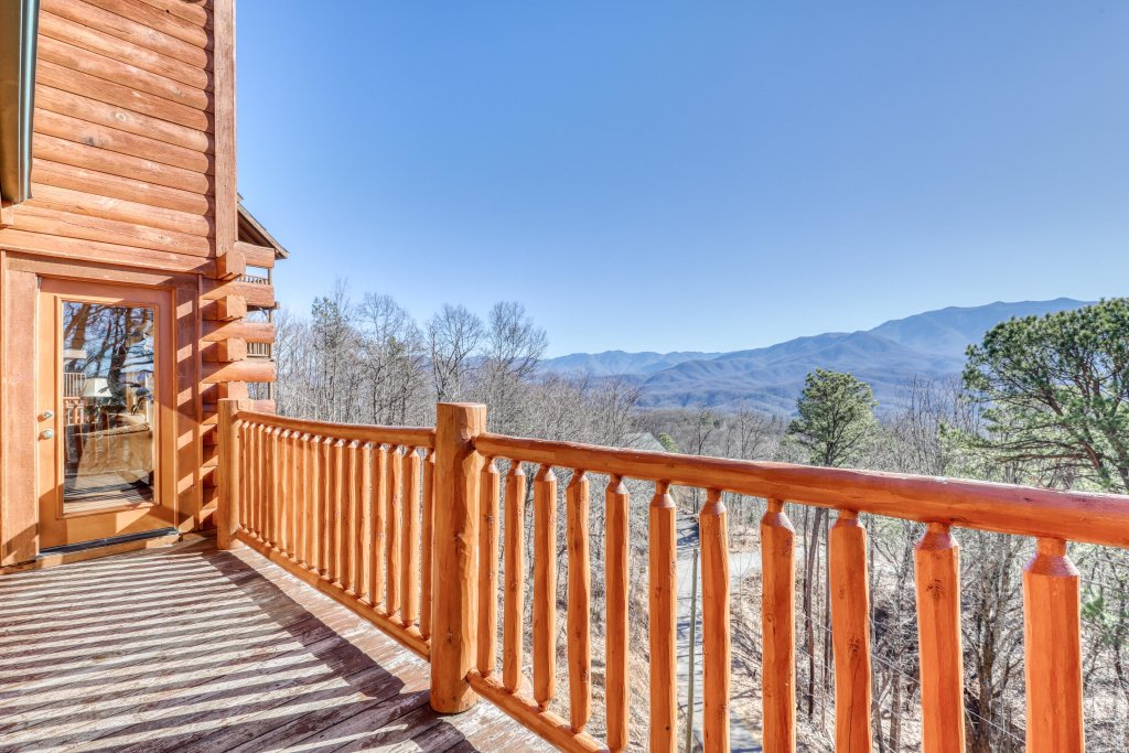 Photo of a Gatlinburg Cabin named Papa Bears Cabin - This is the fifty-sixth photo in the set.
