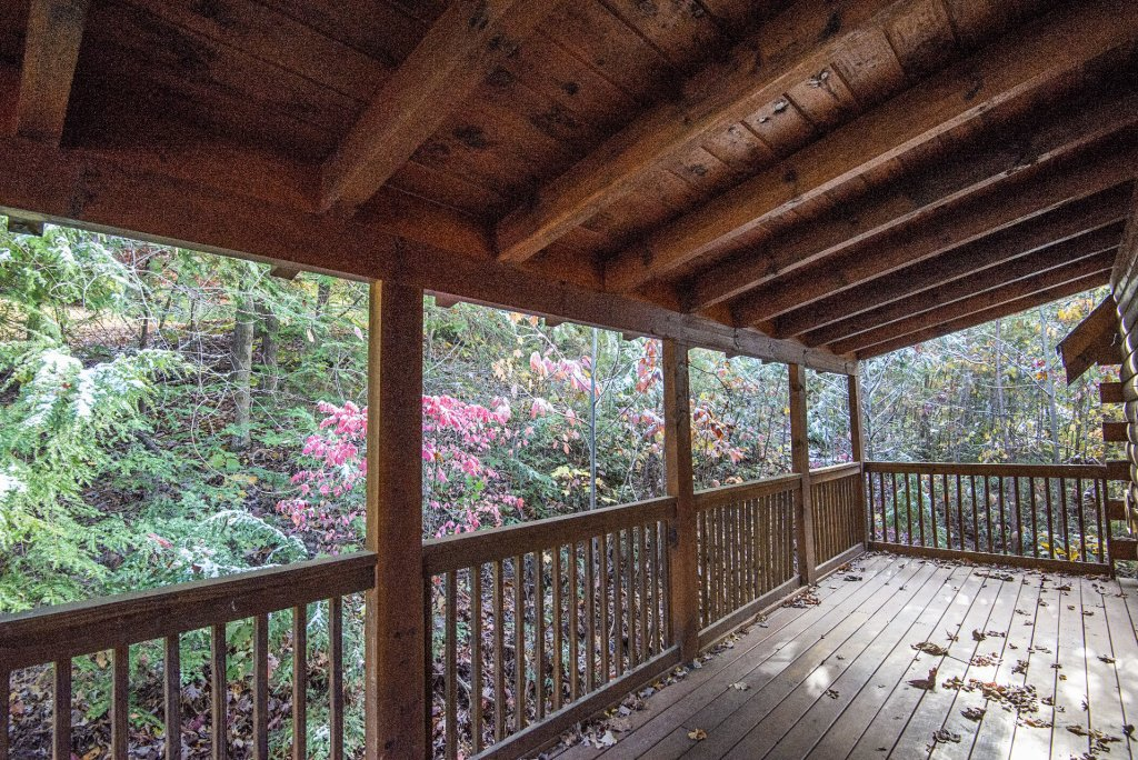 Photo of a Pigeon Forge Cabin named  Locker's Mountain Hideaway - This is the twenty-first photo in the set.