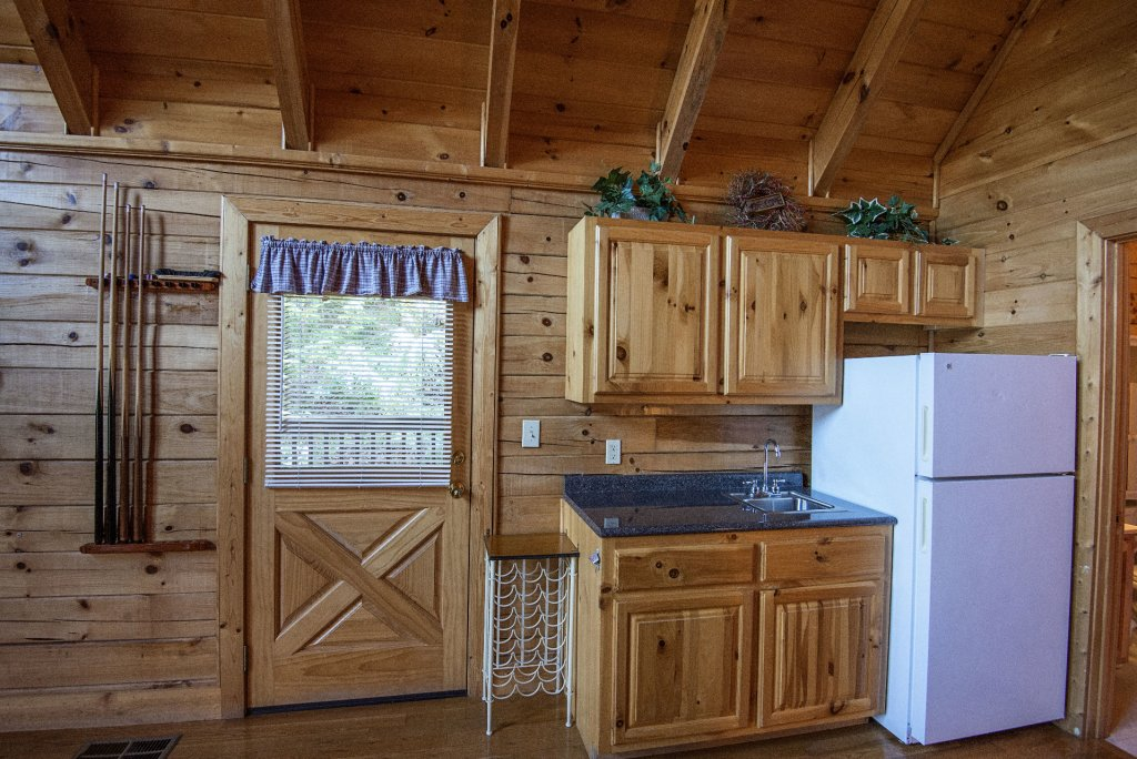 Photo of a Pigeon Forge Cabin named  Locker's Mountain Hideaway - This is the eleventh photo in the set.
