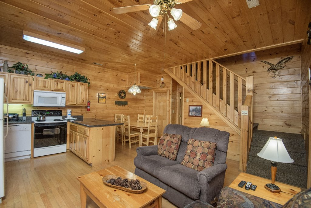 Photo of a Pigeon Forge Cabin named  Locker's Mountain Hideaway - This is the fifth photo in the set.