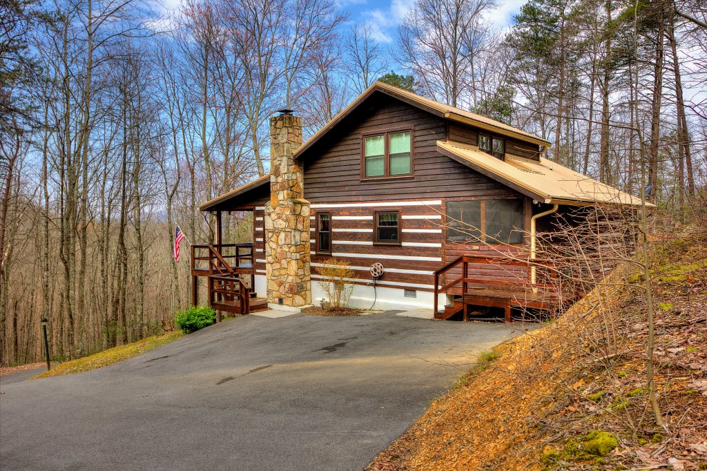 Photo of a Sevierville Cabin named The Clubb House #331 - This is the first photo in the set.