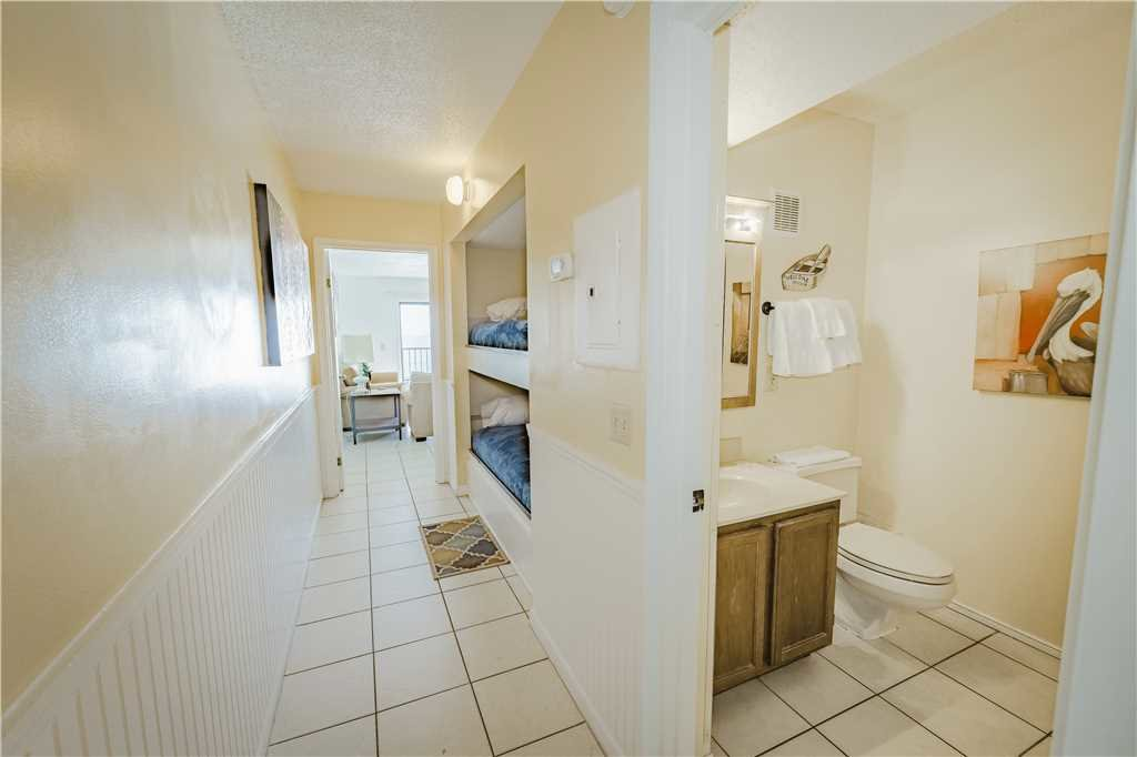 Photo of a Panama City Beach Condo named Summit 1004 - This is the fourteenth photo in the set.