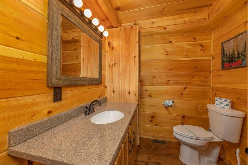 Photo of a Sevierville Cabin named Fox Creek - This is the fifteenth photo in the set.