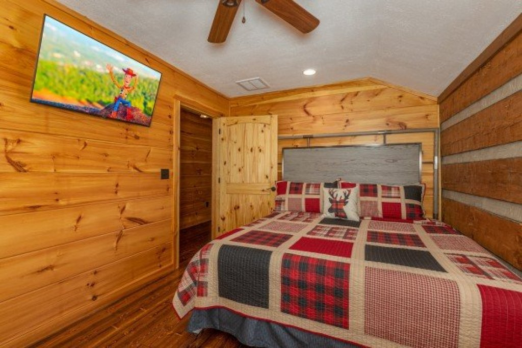 Photo of a Sevierville Cabin named Fox Creek - This is the twenty-first photo in the set.