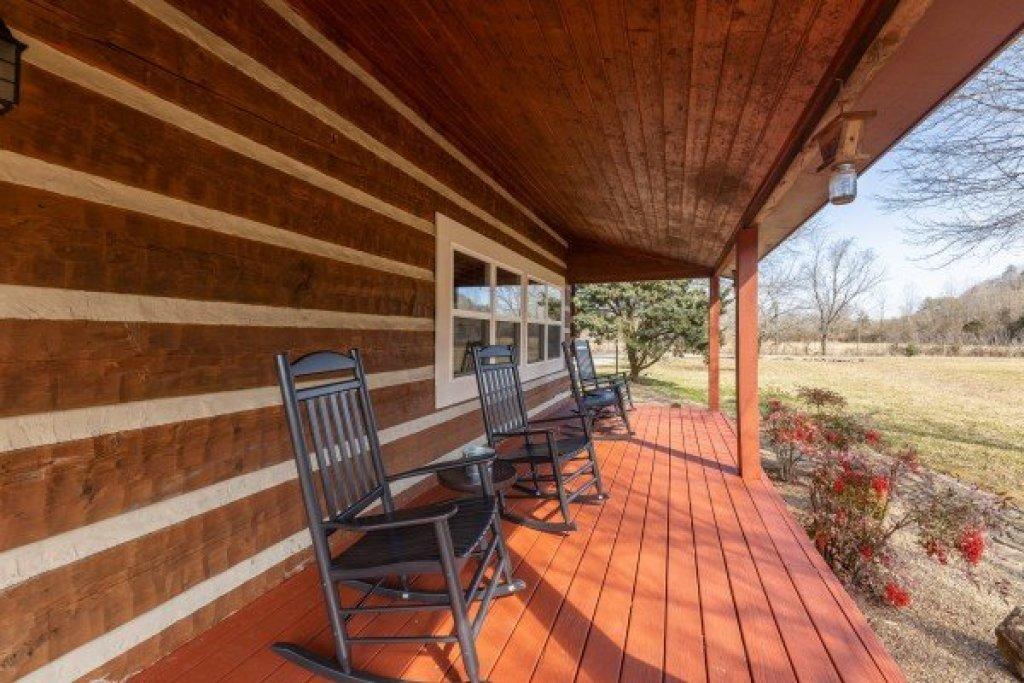 Photo of a Sevierville Cabin named Fox Creek - This is the twenty-sixth photo in the set.