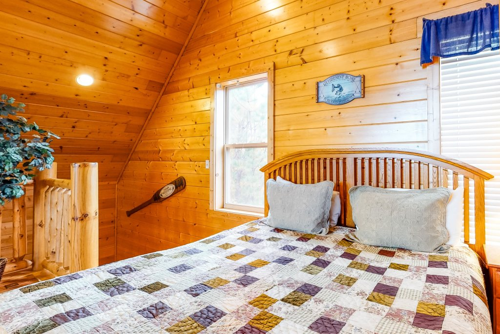 Photo of a Sevierville Cabin named Puttin' On The Ritz - This is the twenty-third photo in the set.