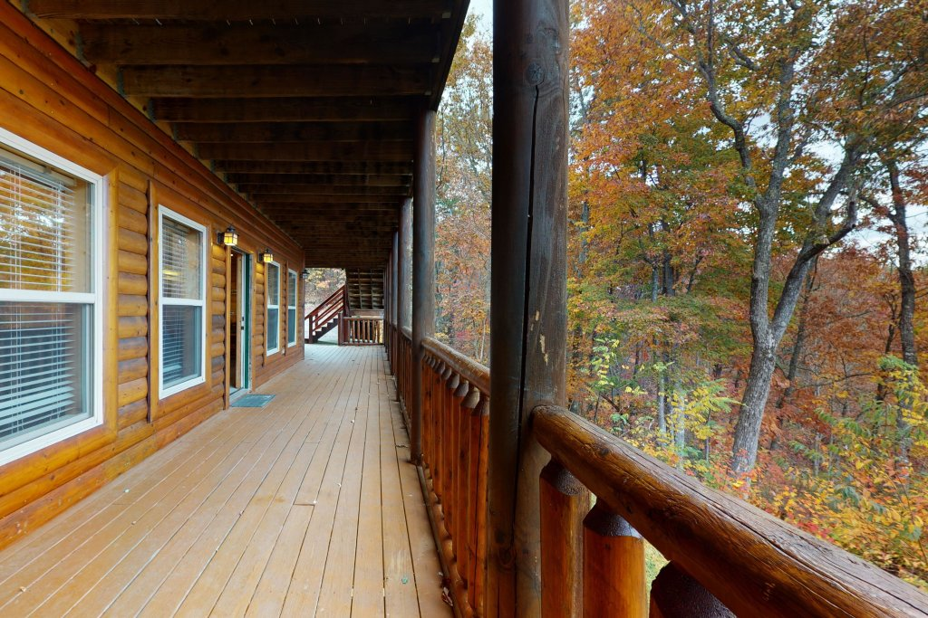 Photo of a Sevierville Cabin named Puttin' On The Ritz - This is the forty-seventh photo in the set.