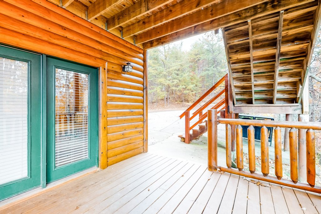 Photo of a Sevierville Cabin named Puttin' On The Ritz - This is the forty-ninth photo in the set.