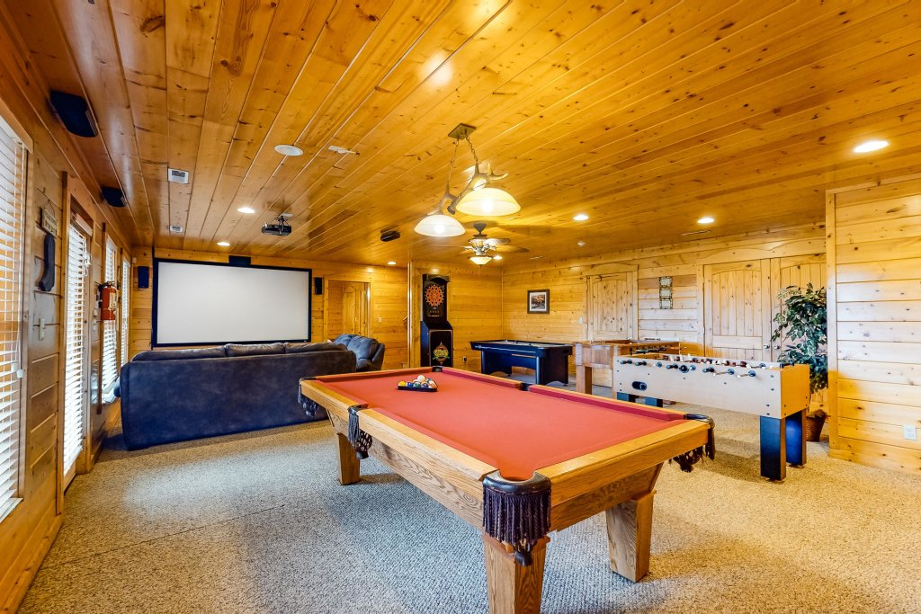 Photo of a Sevierville Cabin named Puttin' On The Ritz - This is the thirty-first photo in the set.