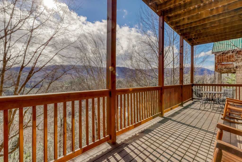 Photo of a Pigeon Forge Cabin named Vista Point - This is the fortieth photo in the set.
