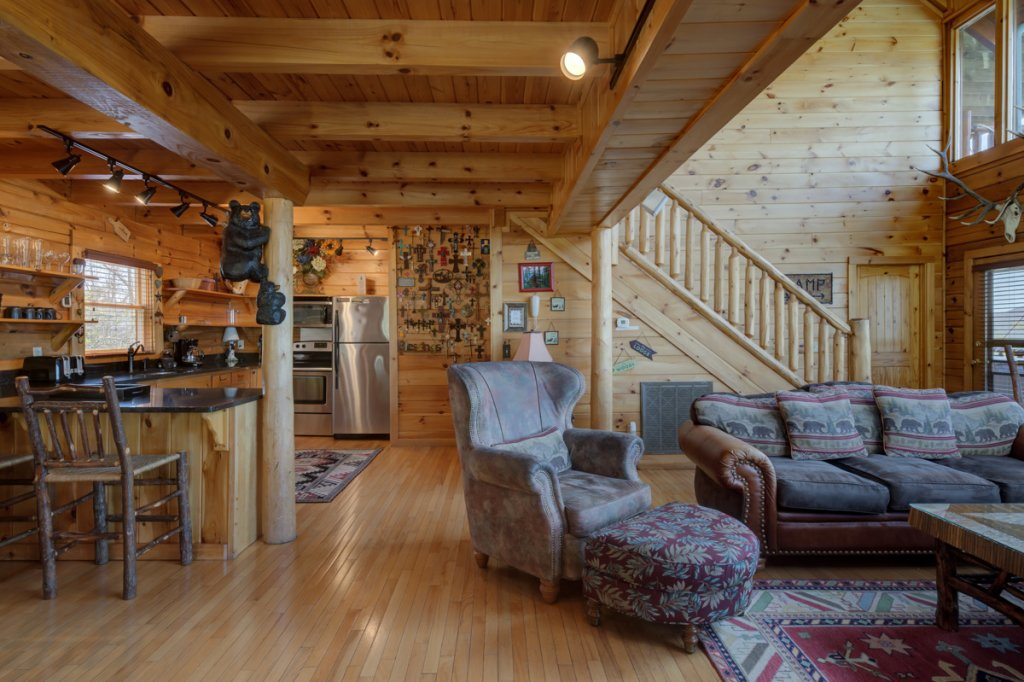 Photo of a Sevierville Cabin named Highland Lodge #61 - This is the sixth photo in the set.