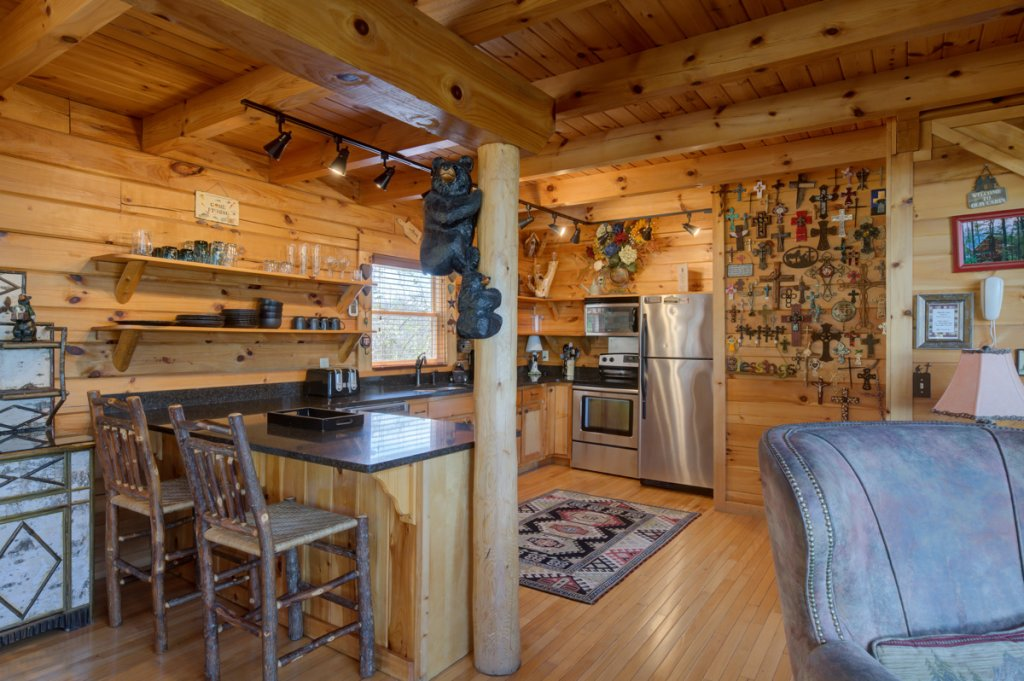 Photo of a Sevierville Cabin named Highland Lodge #61 - This is the ninth photo in the set.