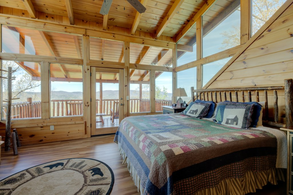 Photo of a Sevierville Cabin named Highland Lodge #61 - This is the twenty-third photo in the set.
