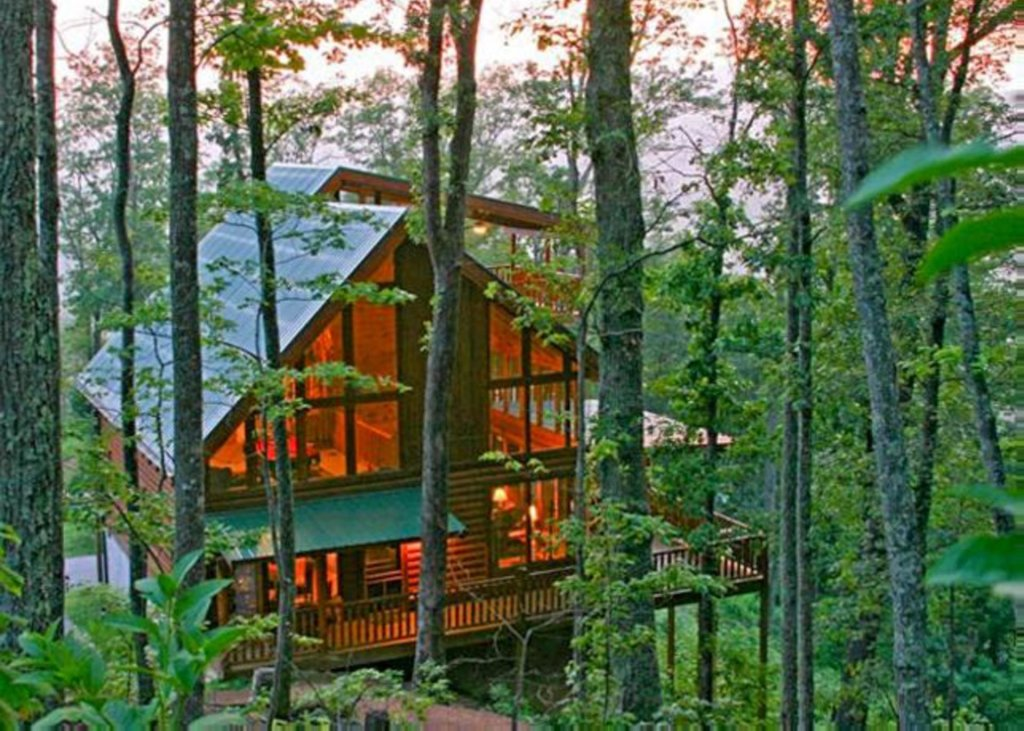Photo of a Sevierville Cabin named Highland Lodge #61 - This is the thirty-fifth photo in the set.